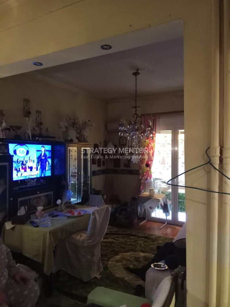 Apartment  47 sqm for Sale: Platia Attikis, Attiki, Athens - Center