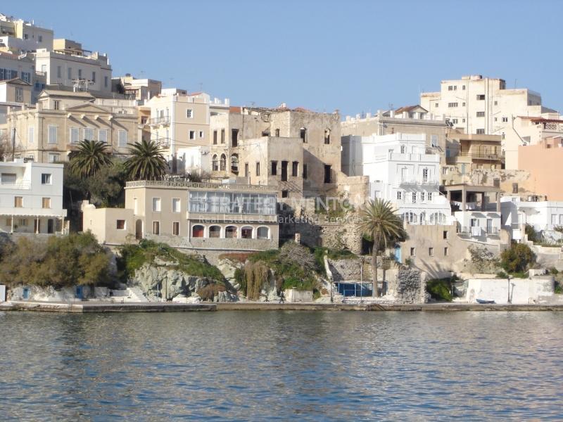 Κτήριο (Κατοικίες) 700 τ.μ. προς Πώληση: Ερμούπολη, Σύρος, Κυκλάδες